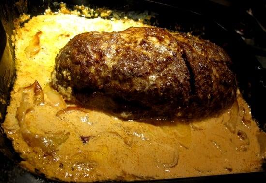 köttfärslimpa med gräddsås recept
