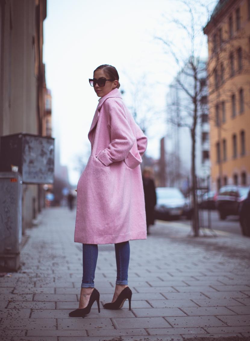 KenzaZouiten_Pinkcoat_st-1
