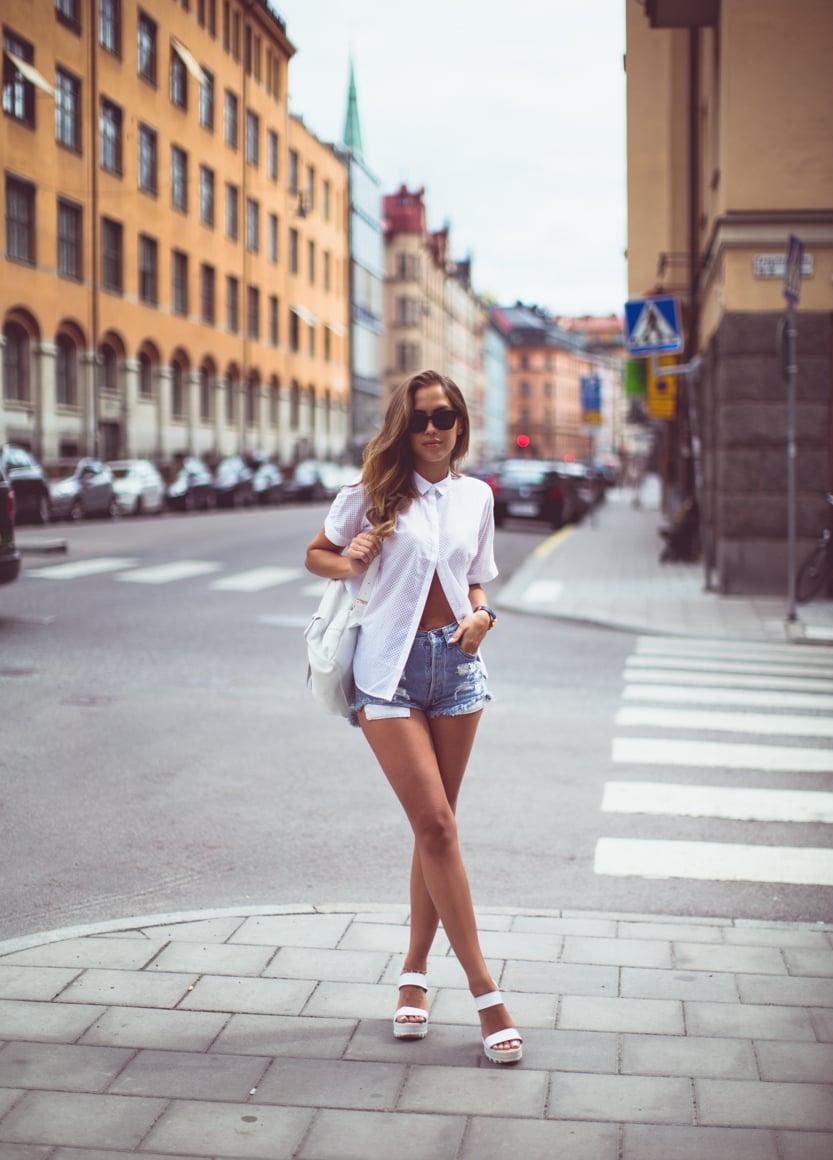 KenzaZouiten_whiteshirt_jeansshorts_st-1