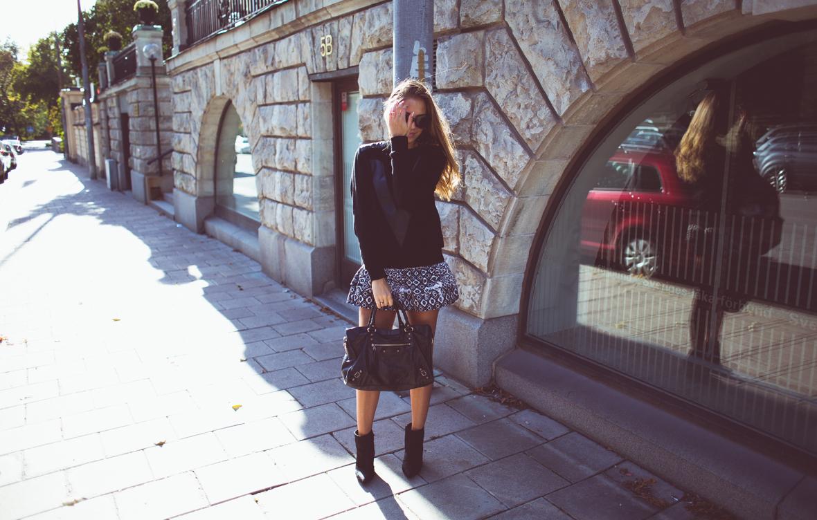 KenzaZouiten_IvyRevel_kuffsweater-5