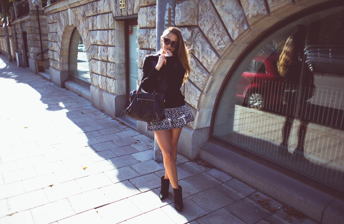 KenzaZouiten_IvyRevel_kuffsweater-7