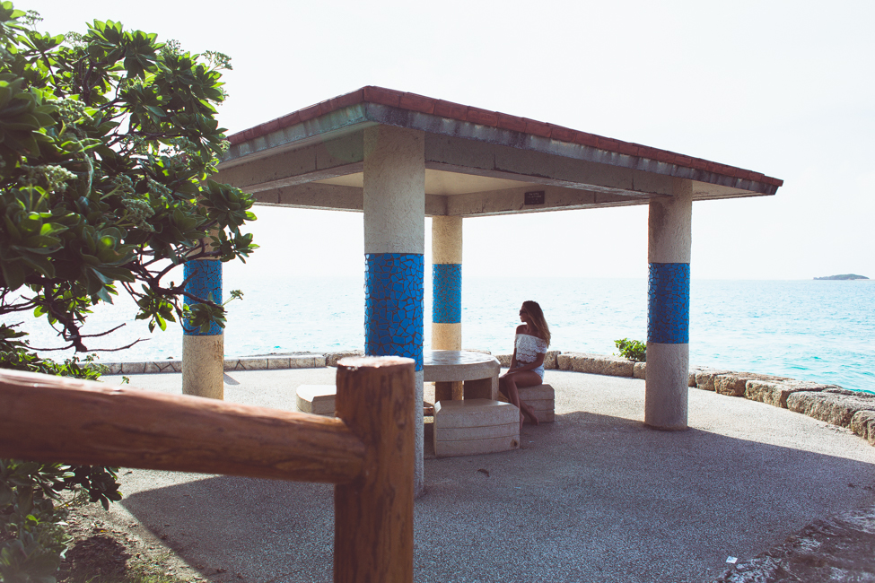 KenzaZouiten_Okinawa_pool-2