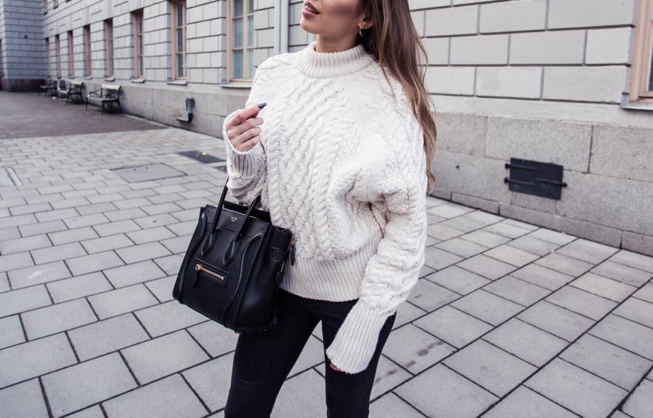 KenzaZouiten_knittedsweater-2