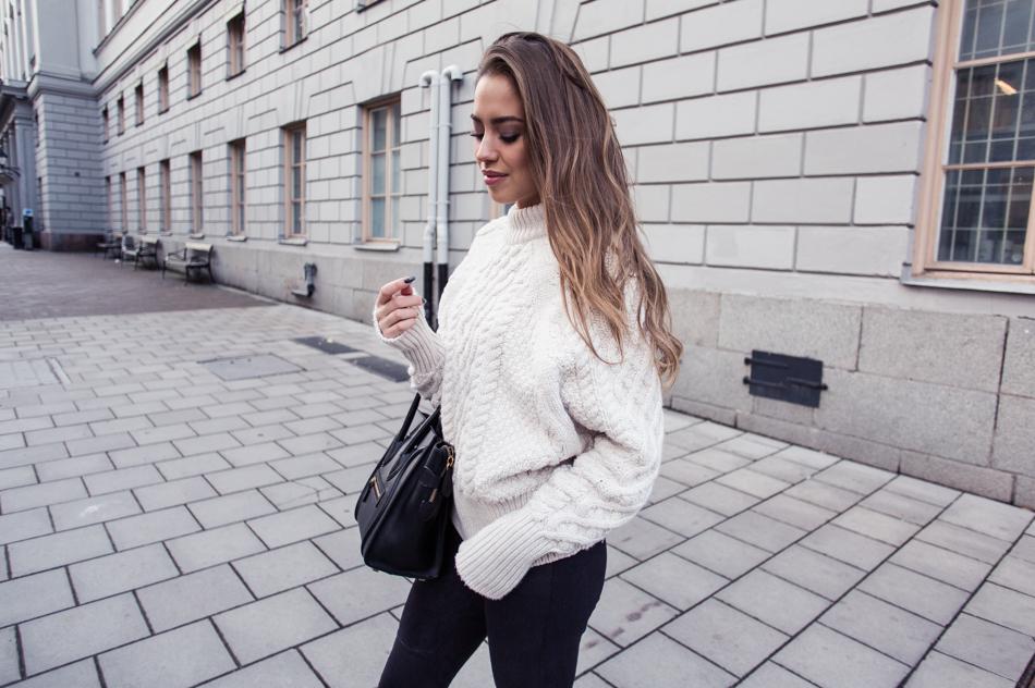 KenzaZouiten_knittedsweater-3