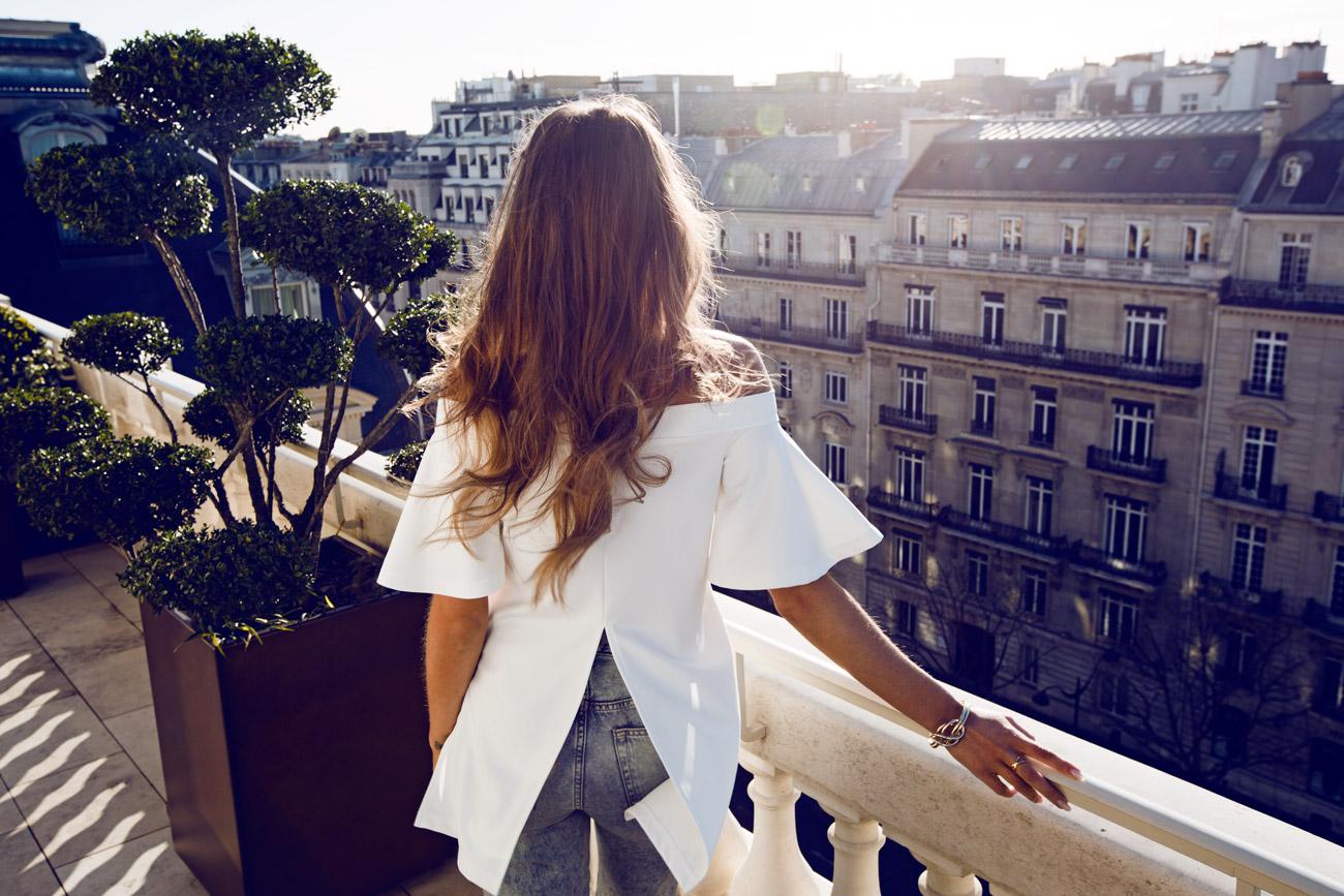 Kenza_Zouiten_Balcony_01