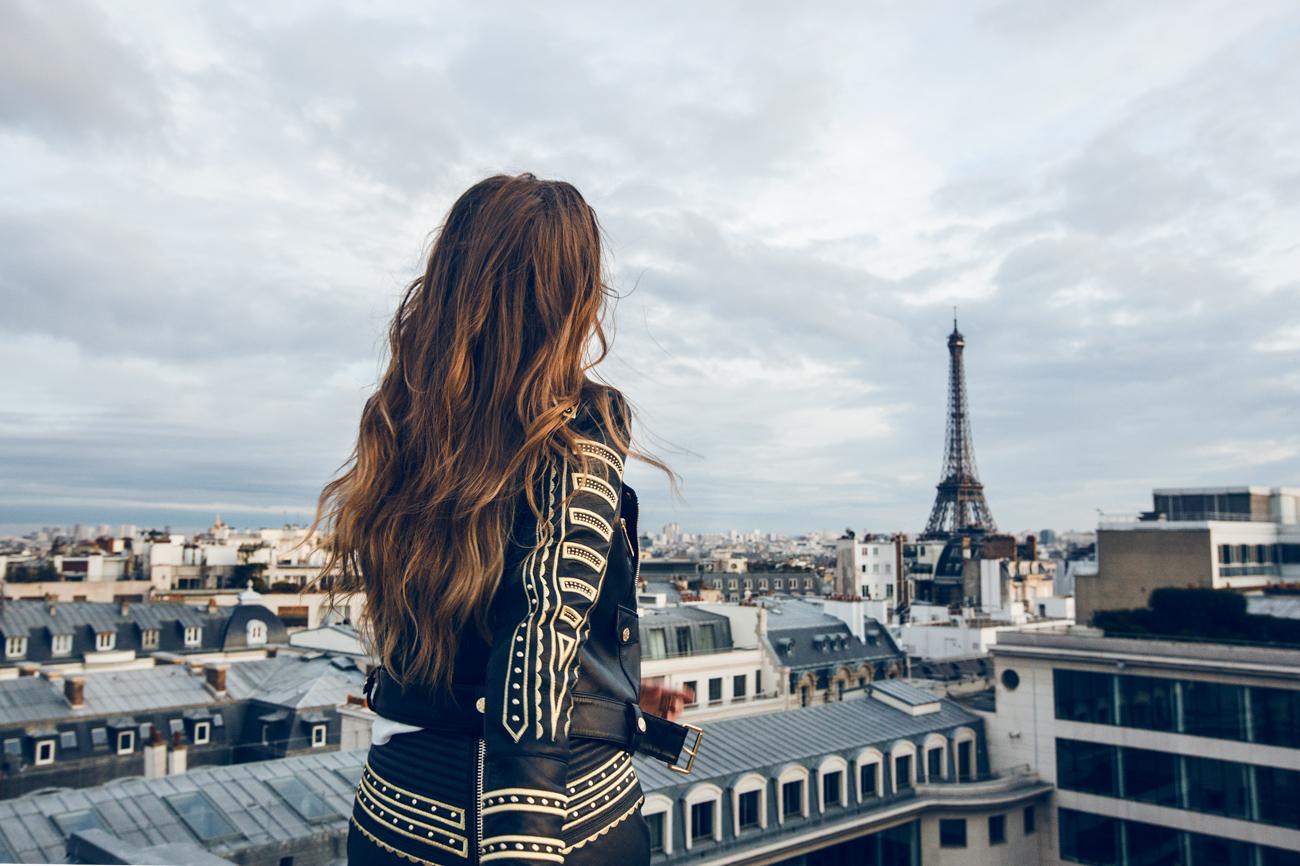 Фото красивых девушек у эйфелевой башни