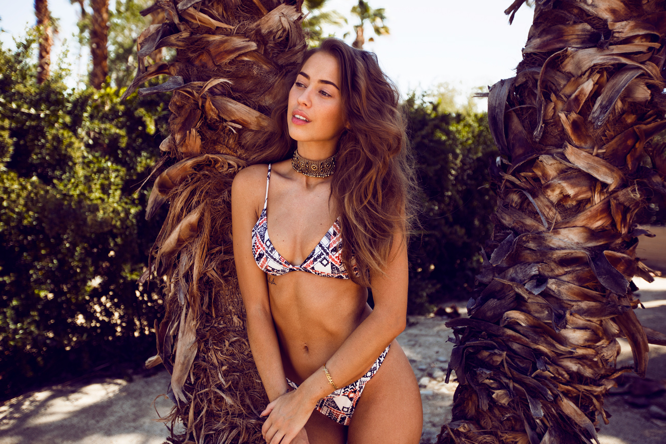 Kenza_Zouiten_Revovle_Bikini_04