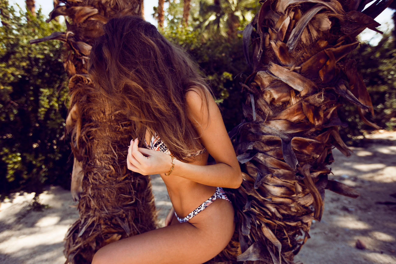 Kenza_Zouiten_Revovle_Bikini_06