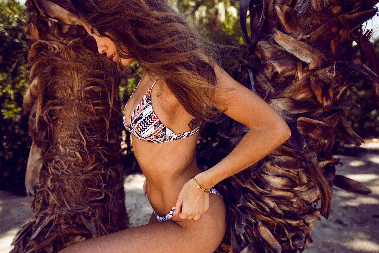 Kenza_Zouiten_Revovle_Bikini_07