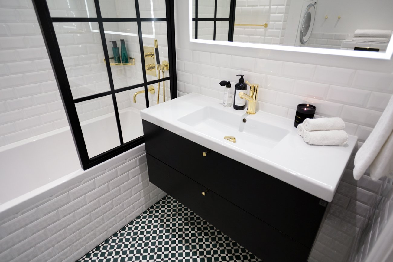 KenzaZouiten_ourbathroom-2