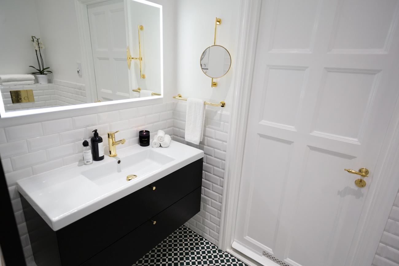 KenzaZouiten_ourbathroom-4