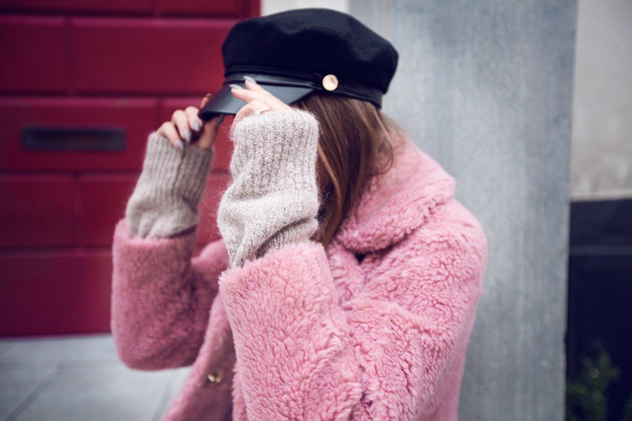 Kenza_Zouiten_Pink_Jacket_06