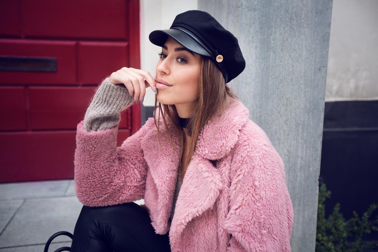 Kenza_Zouiten_Pink_Jacket_07